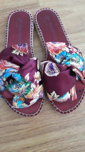 Macarena Zuecos rojo frambuesa fibra textil
