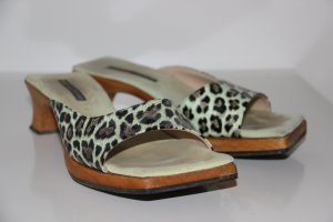 Pantolette im Leopardenmuster mit Holzsohle, Größe 37
