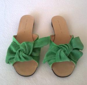 Pantolette mit Knoten grün Wildleder