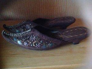 Sandalias con tacón color bronce-marrón