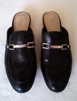 Pantolette schwarz mit silberner Spange