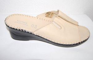 Bottega Sandalo con tacco crema Pelle