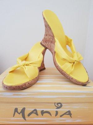 Pantoletten Leder gelb Keilabsatz Gr. 39 top Zustand