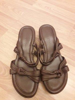 Sandalias con tacón marrón claro-beige