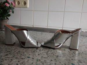 H&M Sandalias con tacón gris claro-color plata Imitación de cuero