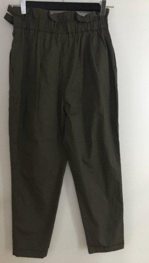 Zara Basic Pantalon 3/4 vert foncé-kaki