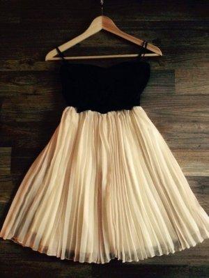 Paprika Dress (Nelly.com)