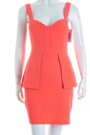 Paprika Trägerkleid neonorange Street-Fashion-Look