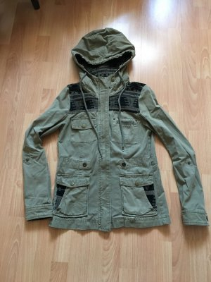 Review Parka kaki