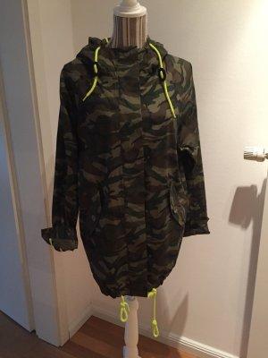 Parker camouflage Jacke mit Kapuze von VILA Gr. S