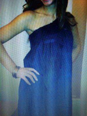 Party Kleid mit einem Schulterfrei