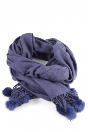 Pashmina dark blue casual look