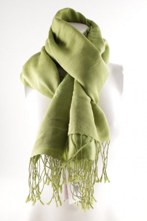 Pashmina Pashmina verde hierba estampado con aplicaciones look casual