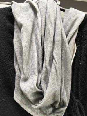 passigatti Wollschal in grau/schlamm