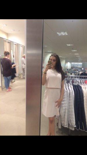Pastell Rosa Kleid mit Glitzerkragen