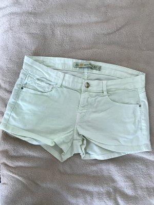 Pastellgrüne Jeansshorts!