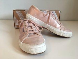 Pastellrosa Sneaker von Superga