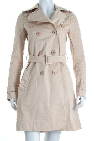 Patrizia Pepe Trenchcoat creme Street-Fashion-Look