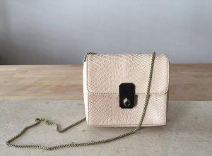 Paul Costelloe – Mini Umhängetasche/ Mini Crossbody aus echtem Leder in zart rosé mit goldener Tragekette