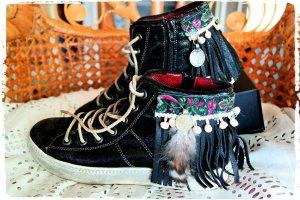 Paul Green Leder Sneaker mit Fransen,Federn und Münzen