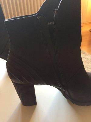 Paul green *neuwertig 1 mal getragen!*schwarze Stiefelette mit leichtem Plateau