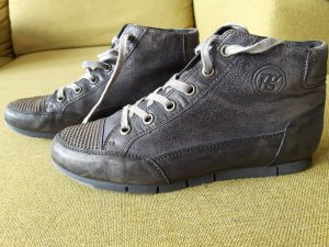 Paul Green Nieten- Sneaker, selten,Eye-Catcher