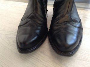 Paul Green Stiefelette in schwarz mit Steppung