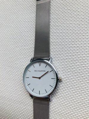 Montre avec bracelet métallique argenté