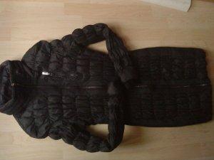PBO schwarzer Daunenmantel gesmogt mit Gürtel Größe 36 von PBO