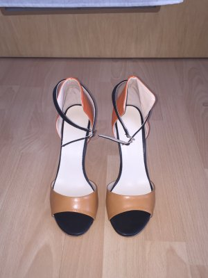 Peeptoe cognac orange
