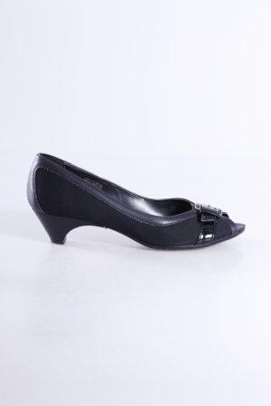 Peeptoe-Schuhe mit Schnalle