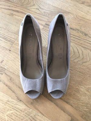 Peeptoes/ High Heels
