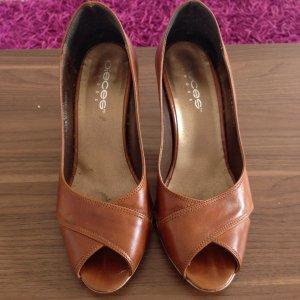 Pieces Peep Toe Pumps brown
