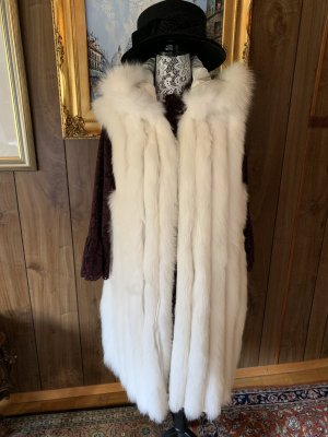Pelt Coat white