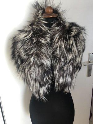 Abrigo de piel blanco-negro