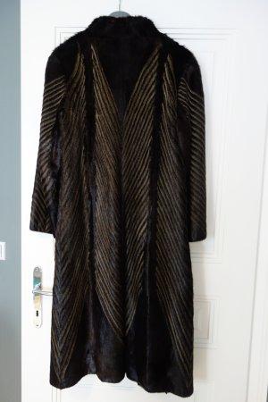 Abrigo de piel marrón oscuro-marrón grisáceo Pelaje