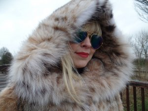 Pelzmantel Luchs Kapuze Lynx Pelz Jacke Fell FUR Coat Mantel Winter