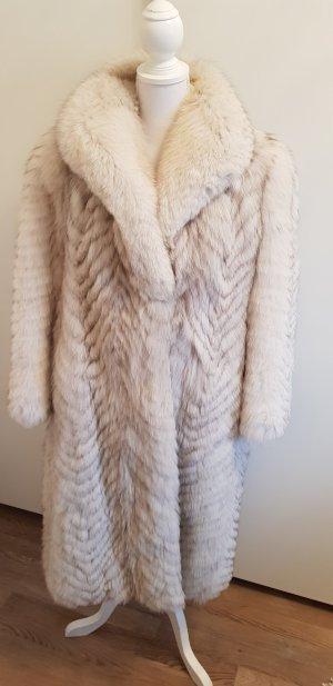 Abrigo de piel color plata-gris claro