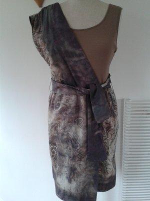 Pennyblack, leichtes Sommerkleid, ein besonderer Schnitt, BW mit Seide