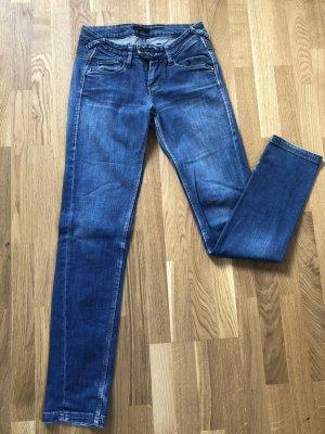 Pepe Jeans 25/32 indigo mit goldenen Nähten und 2 Knöpfen