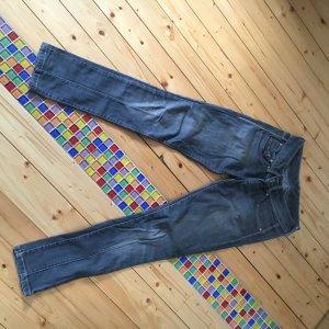 Pepe Jeans-grau-slim fit-Weite27-Länge32-guter Zustand