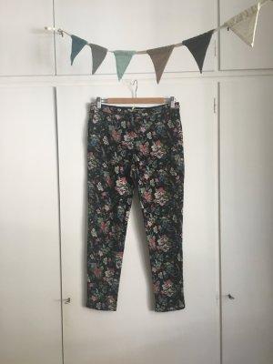 Pepe Jeans London | Hose | Chino Stil | Schwarz mit Blumen-Print | Gr. S