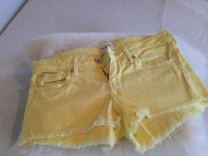 Pepe Jeans Shorts mit ausgefranstem Hosensaum