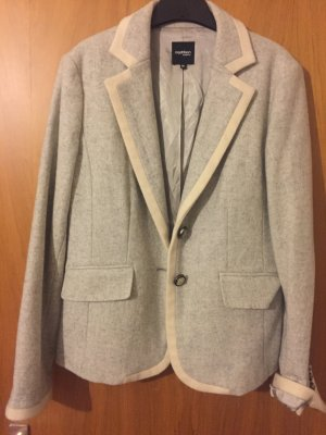 Perfect grey-blazer for autumn and winter