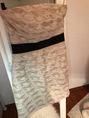 Perfekt sitzendes Kleid