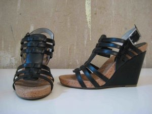 BCBGeneration Wedge Sandals black