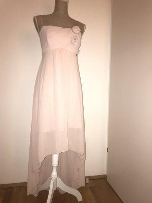 Perfektes Kleid für eine Hochzeit