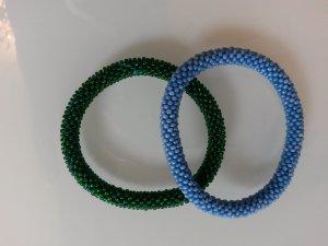 Perlarmbänder hellblau und moosgrün