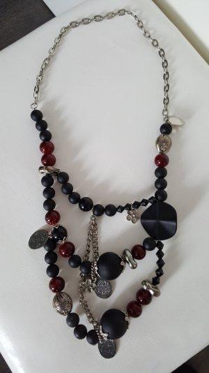 Perlen Halsketten mit 3 farben - schwarz,weinrot und silber.