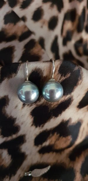 Pearl Earring light grey